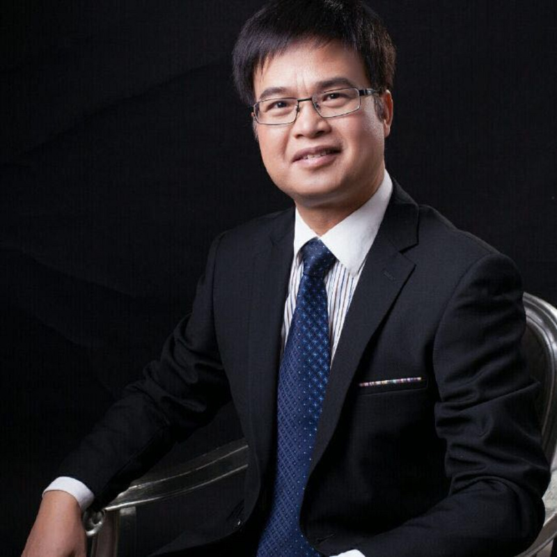 黄金分析师施文汉