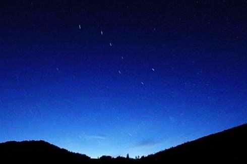 坐于蒲团数星星